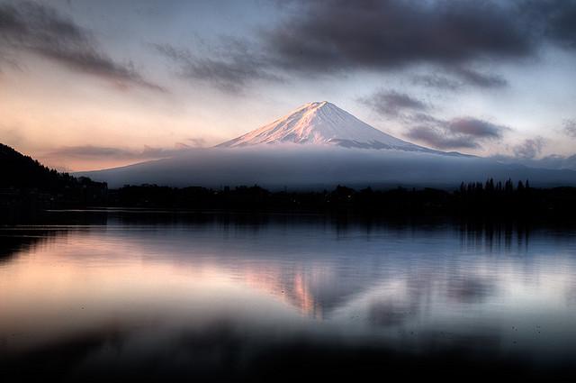 富士山 信仰の対象と芸術の源泉の画像 p1_9