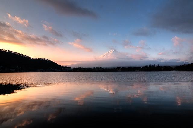富士山 信仰の対象と芸術の源泉の画像 p1_16