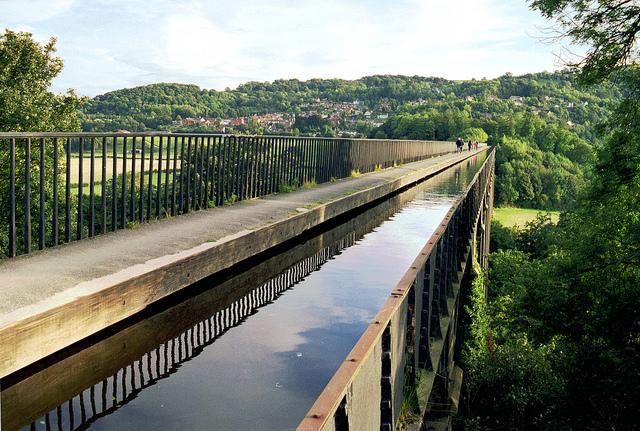 ポントカサステ水路橋と運河の画像 p1_28